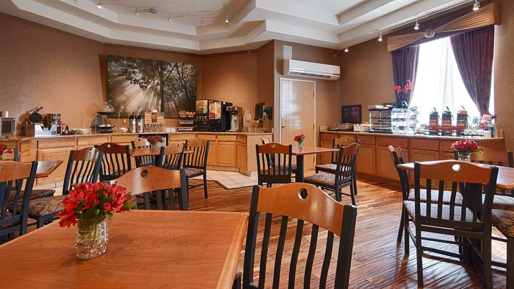 Best Western Plus Des Moines West Inn & Suites - Prima colazione a buffet