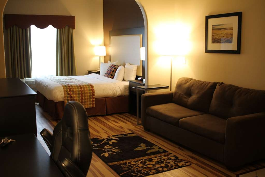 Best Western Plus Des Moines West Inn & Suites - Suite