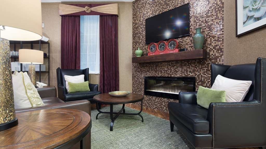 Best Western Plus Des Moines West Inn & Suites - Hall