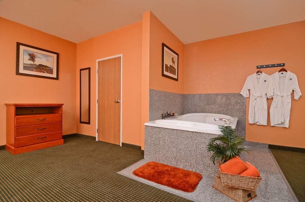 Best Western Pioneer Inn & Suites - whirlpool
