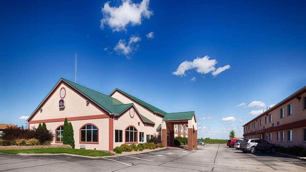 Best Western Pioneer Inn & Suites - Außenansicht