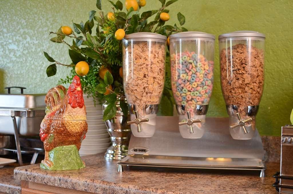 Best Western Pioneer Inn & Suites - Le petit déjeuner buffet