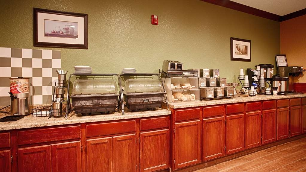 Best Western Pioneer Inn & Suites - Frühstücksbuffet