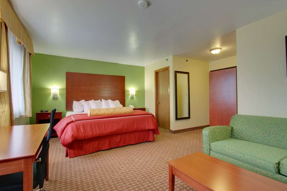 Best Western Plus Altoona Inn - Our King Deluxe room is great for the business traveler.