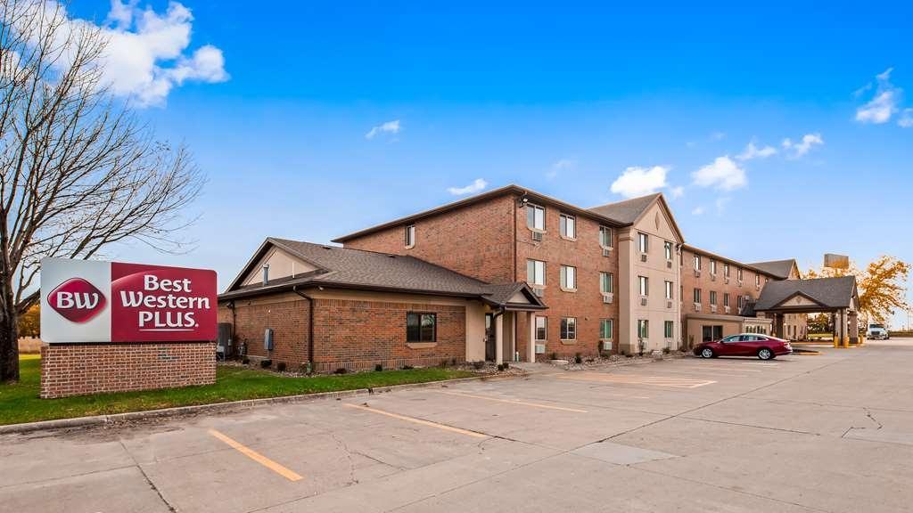 Best Western Plus Altoona Inn - Außenansicht