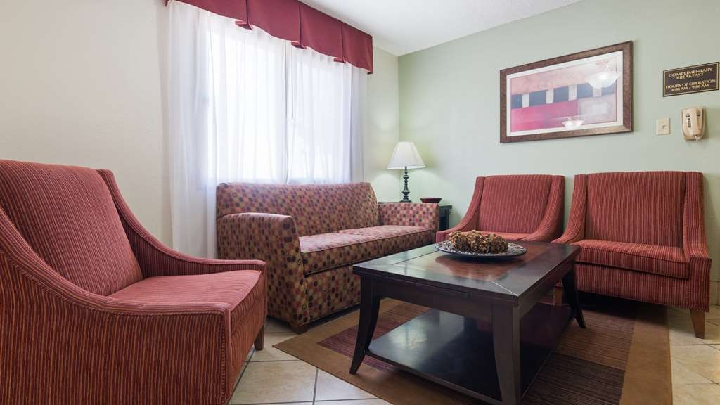 Best Western Mt. Pleasant Inn - Stop by the lobby and settle into one of the comfortable chairs.