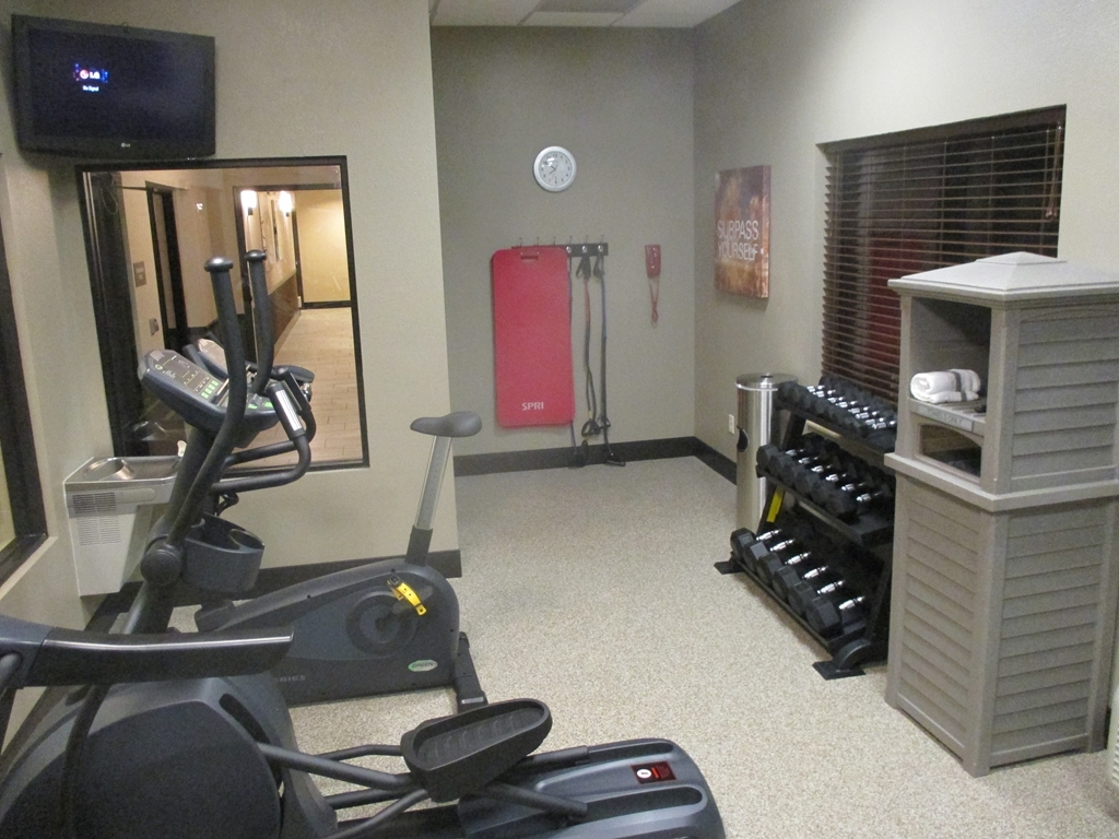 Best Western Plus Omaha Airport Inn - exercise chambre