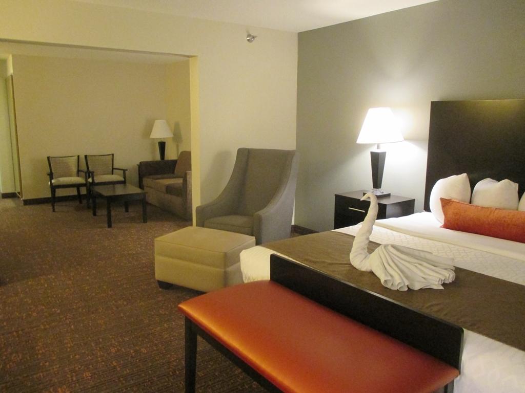 Best Western Plus Omaha Airport Inn - Suite