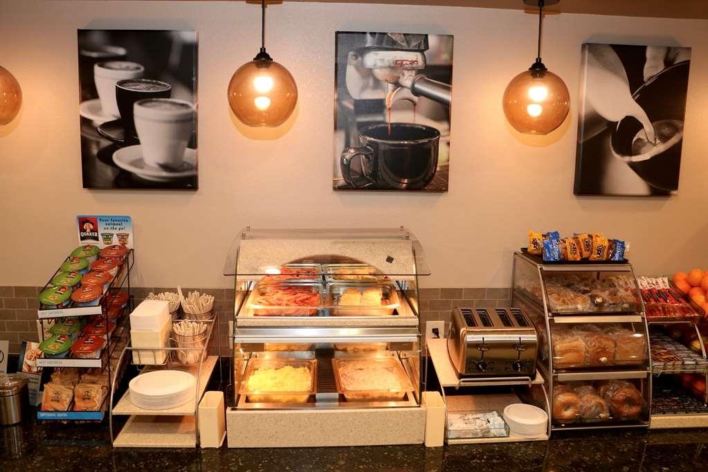 Best Western Plus Omaha Airport Inn - Desayuno Buffet