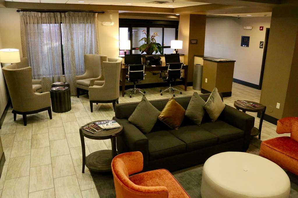 Best Western Plus Omaha Airport Inn - Relax in comfortable lobby area.