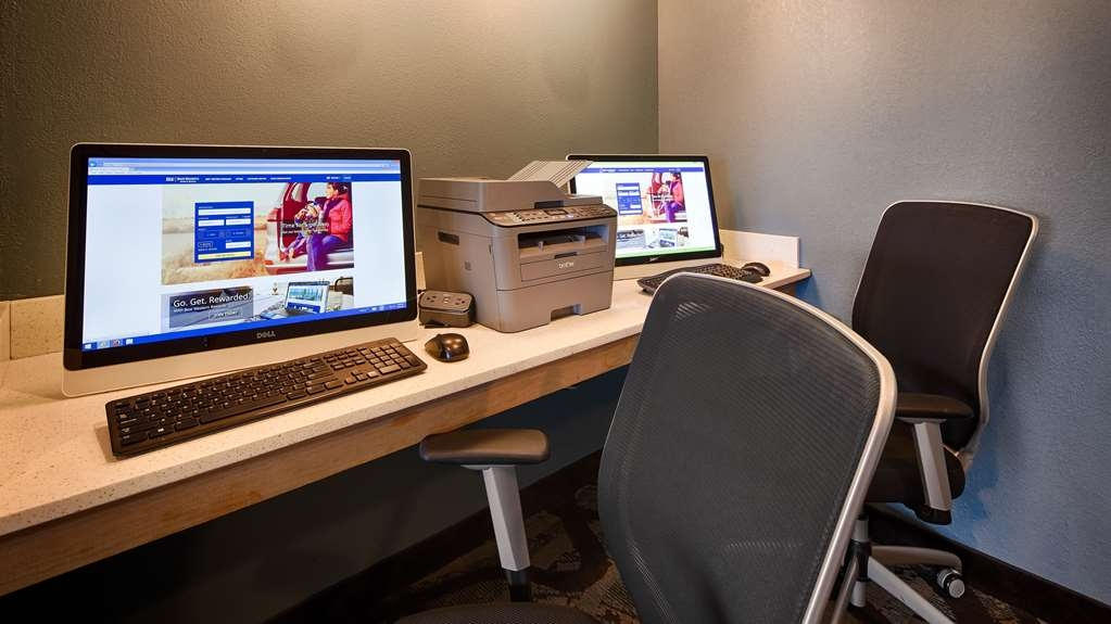 Best Western Holiday Manor - Stay productive during your time away from home in our business center