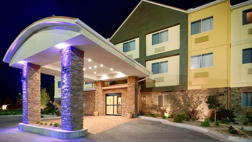 Best Western Pearl City Inn - Exterior