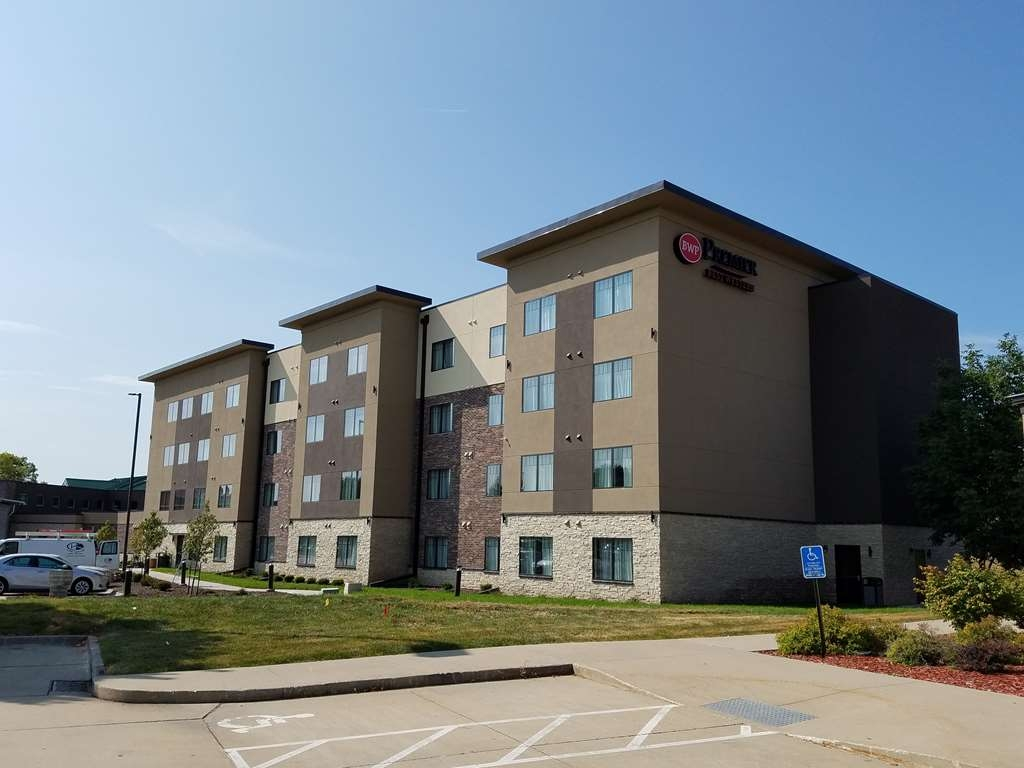 Best Western Premier Ankeny Hotel - Come and enjoy the Premier Life at Best Western