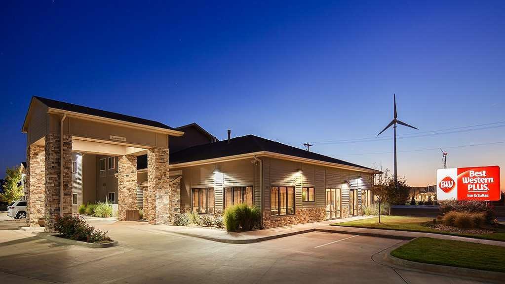 Best Western Plus Night Watchman Inn & Suites - Aussenansicht