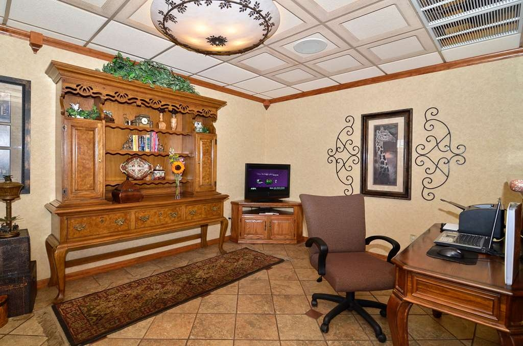 Best Western Angus Inn - Lobby - Business Center