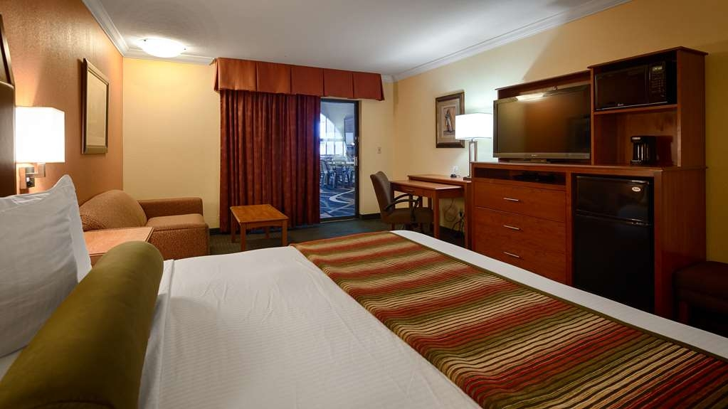 Best Western Angus Inn - Guest Room