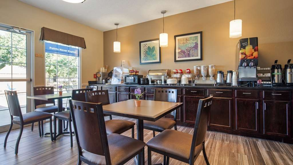 Best Western Governors Inn & Suites - Let the kids splurge and watch their favorite morning cartoons while eating breakfast.