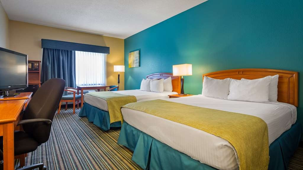 Best Western Governors Inn & Suites - The whole family can enjoy the Two Queen Room.