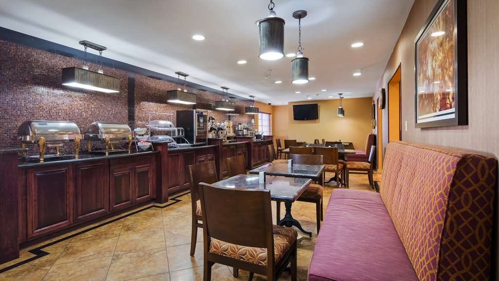 Best Western J. C. Inn - Join us every morning for a variety of your favorite morning treats.