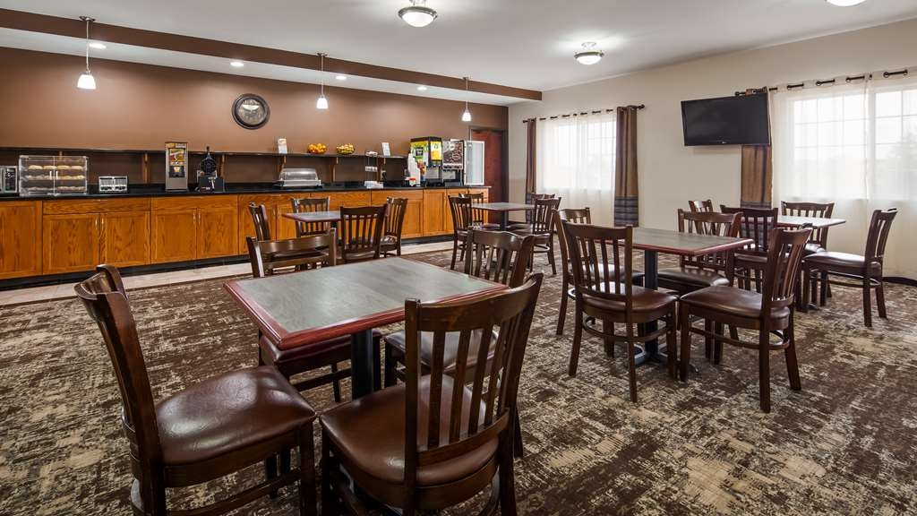 Best Western Plus Wakeeney Inn & Suites - Breakfast Area