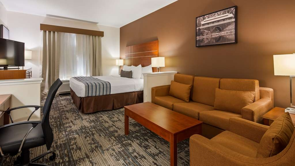 Best Western Plus Wakeeney Inn & Suites - Guest Suite