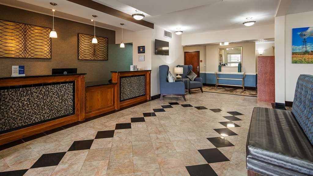 Best Western Plus Wakeeney Inn & Suites - Lobby