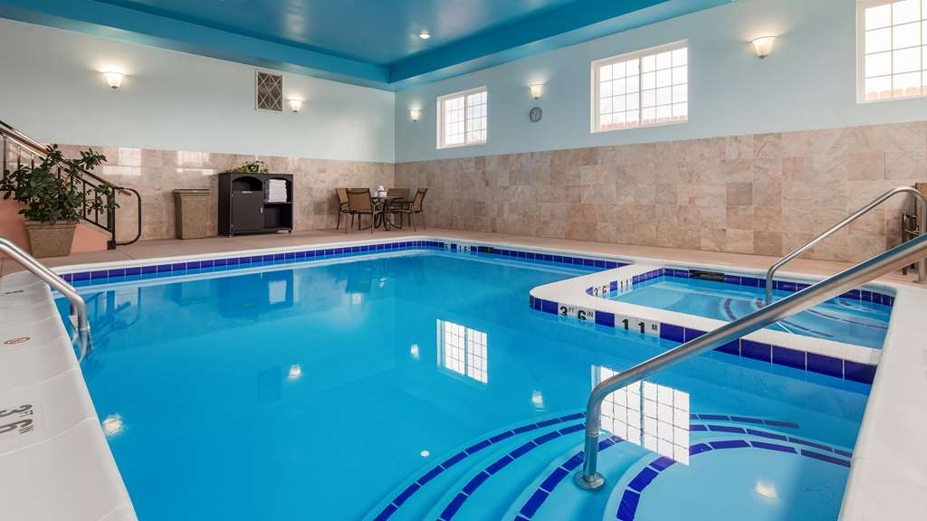 Best Western Plus Wakeeney Inn & Suites - Indoor Pool