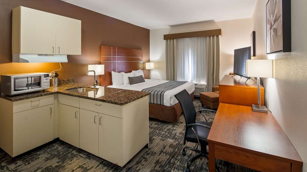 Best Western Plus Wakeeney Inn & Suites - Suite
