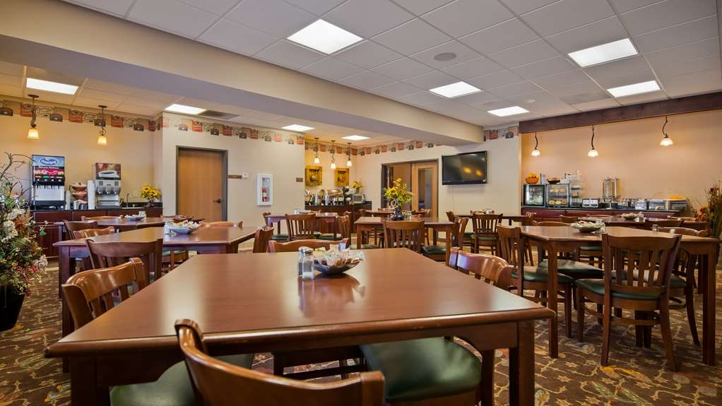 Best Western Plus Country Inn & Suites - Restaurant / Gastronomie