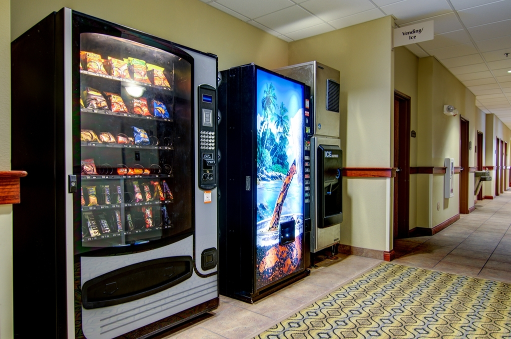 Best Western Plus Butterfield Inn - Vending