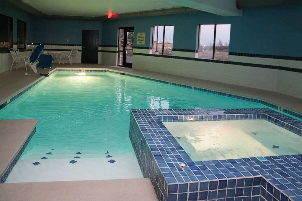 Best Western Plus Olathe Hotel - Piscina