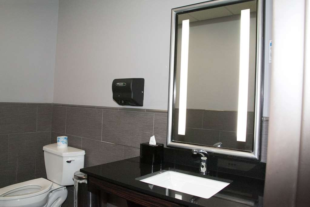 Best Western Plus Olathe Hotel - We take pride in making everything spotless for your arrival.