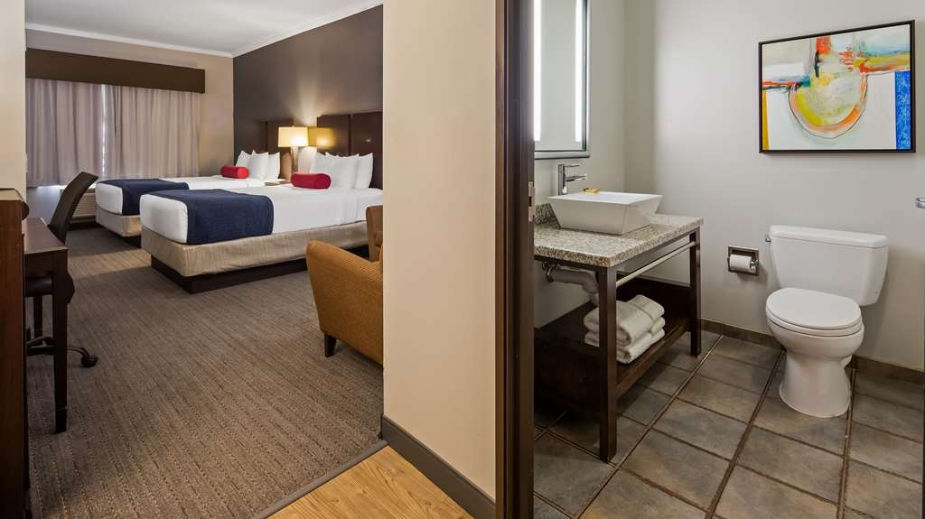 Best Western Plus Olathe Hotel - The double queen room is perfect for traveling with friends.