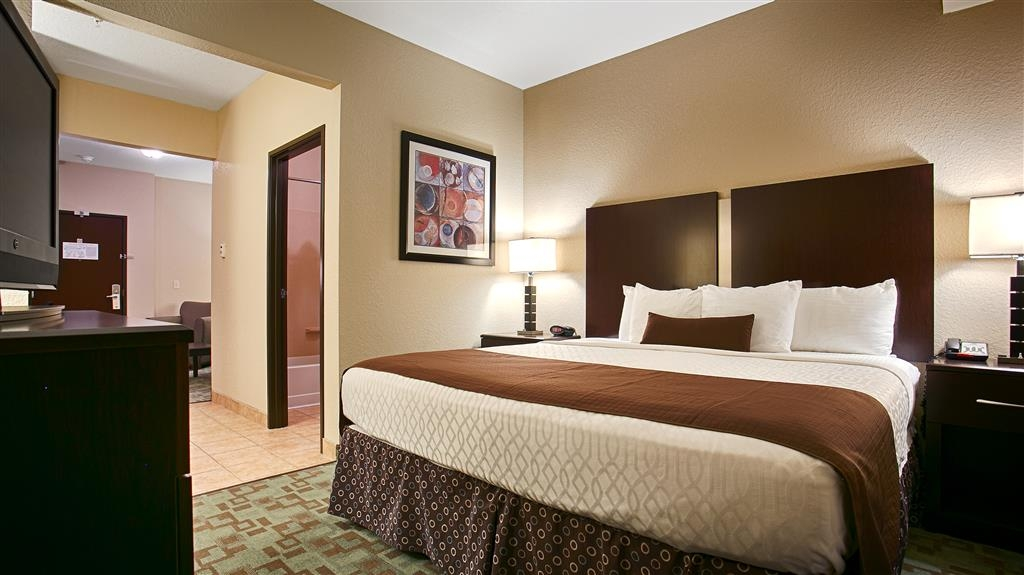 Best Western Plus Eastgate Inn & Suites - Guest Room