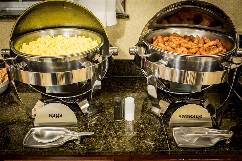 Best Western Plus Eastgate Inn & Suites - Hot breakfast with eggs, sausage, waffles & more!