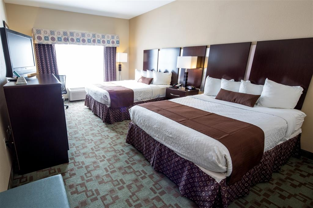 Best Western Plus Eastgate Inn & Suites - Double Queen Guest Room with Fridge & Microwave.