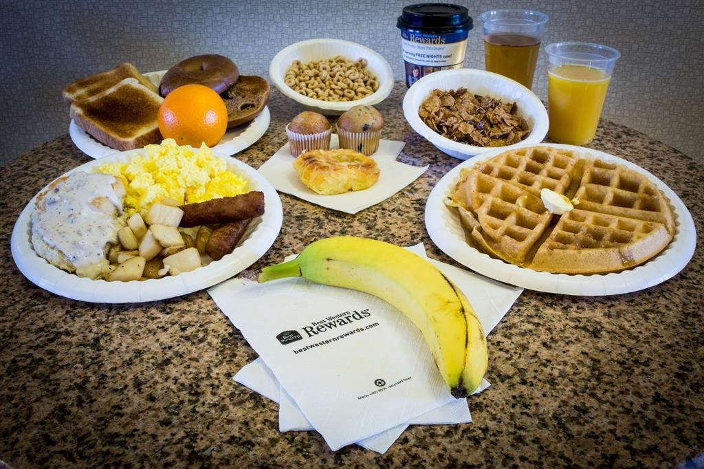 Best Western Plus Eastgate Inn & Suites - Start your day off with our free hot breakfast!