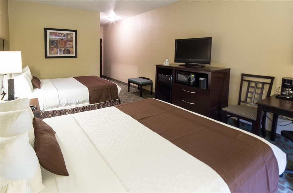 Best Western Plus Eastgate Inn & Suites - Double Queen Guest Room with Fridge & Microwave
