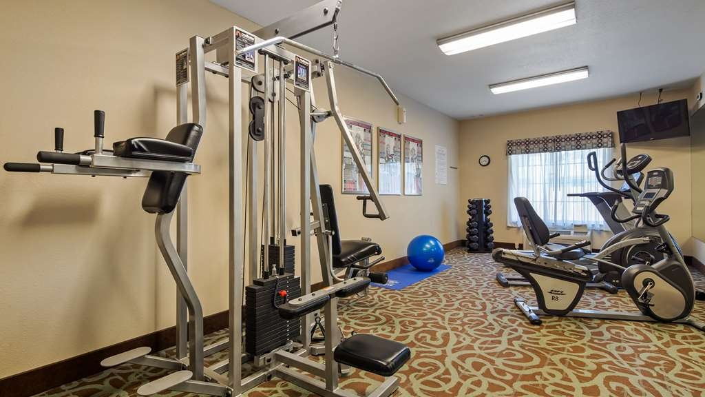 Best Western Plus Eastgate Inn & Suites - Fitness center with cardio & multi-gym.