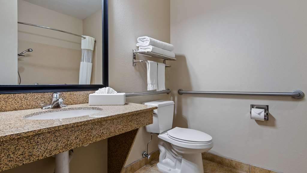 Best Western Plus Eastgate Inn & Suites - We take pride in making everything spotless for your arrival.