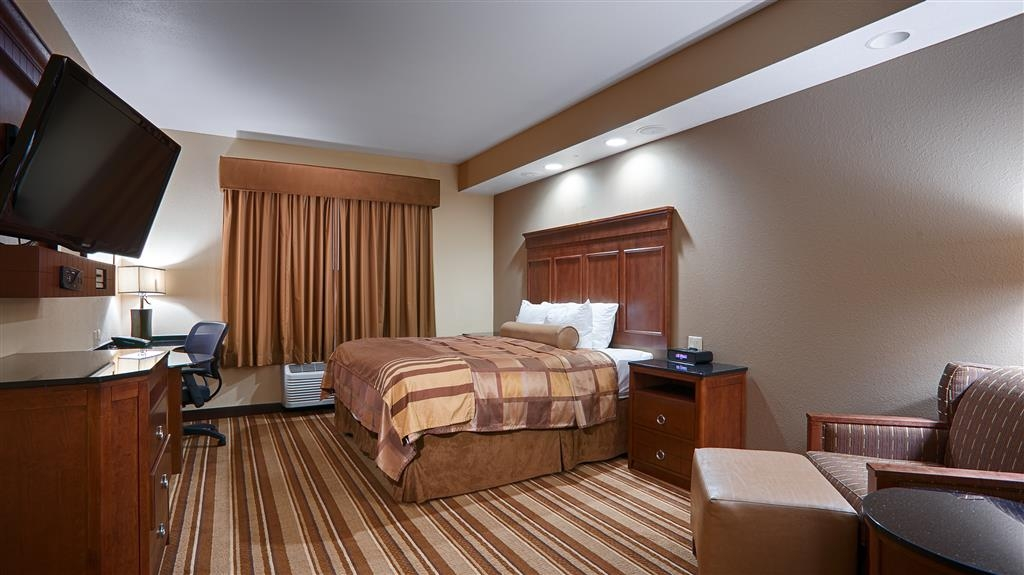 Best Western Premier KC Speedway Inn & Suites - Spa