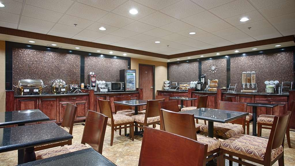 Best Western Plus Midwest Inn & Suites - Restaurant / Gastronomie