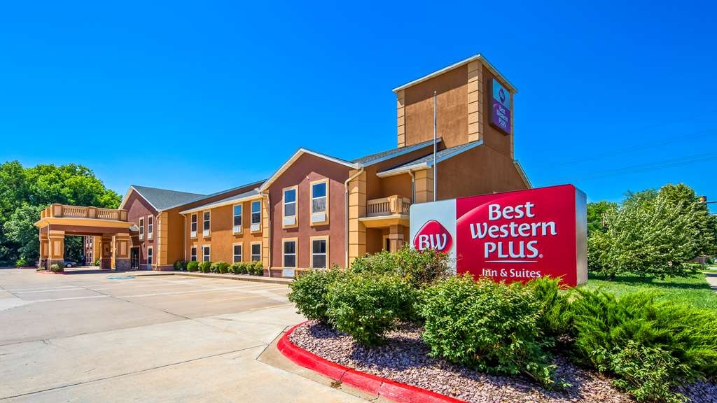 Best Western Plus Midwest Inn & Suites - Façade