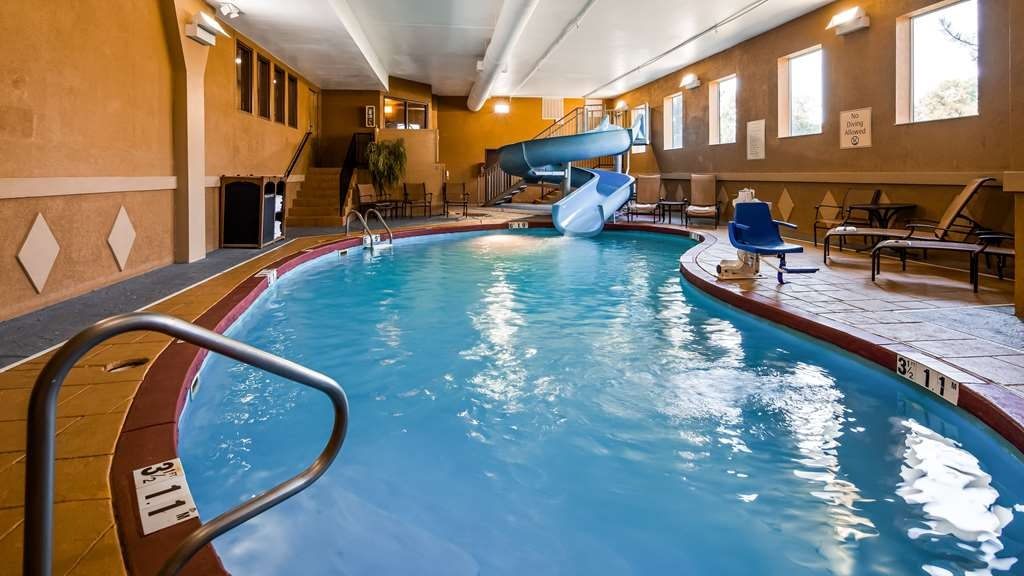 Best Western Plus Midwest Inn & Suites - hallenbad