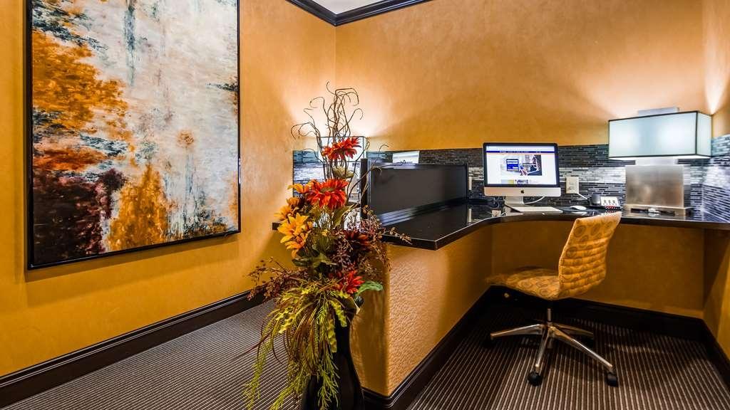 Best Western Plus Emerald Inn & Suites - centre des affaires