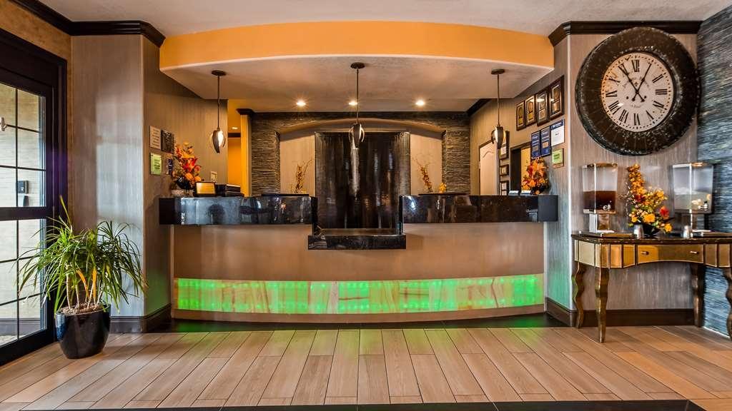 Best Western Plus Emerald Inn & Suites - Vue du lobby