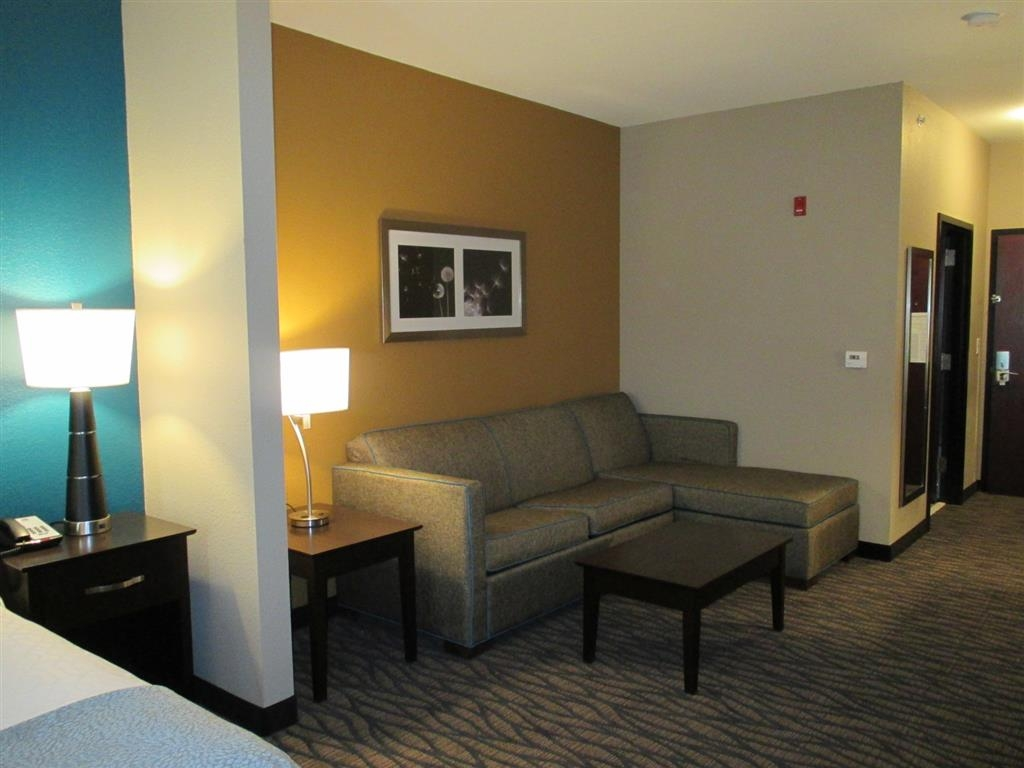 Best Western Plus Hiawatha Hotel - Suite - salon