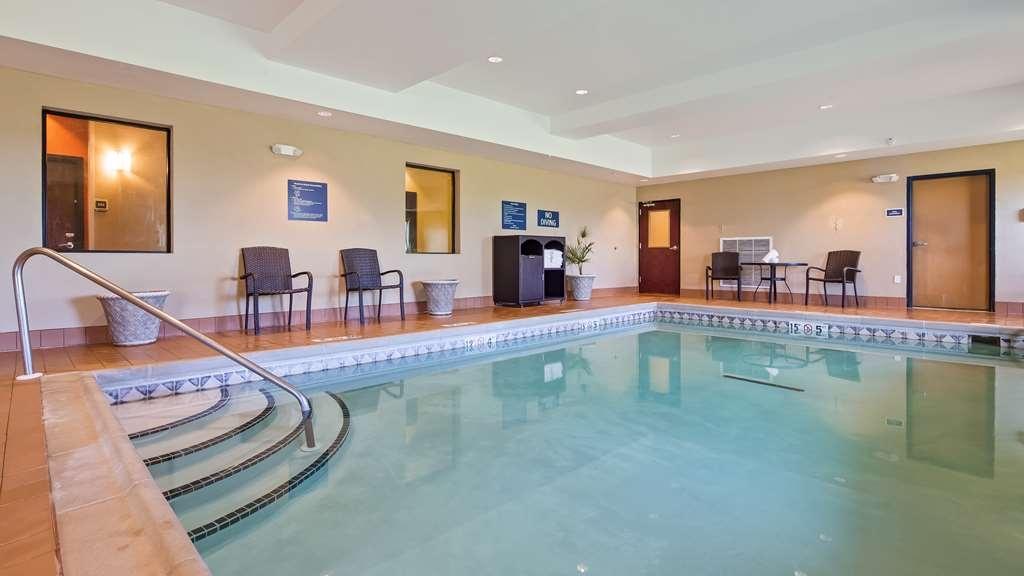 Best Western Plus Hiawatha Hotel - Indoor Pool