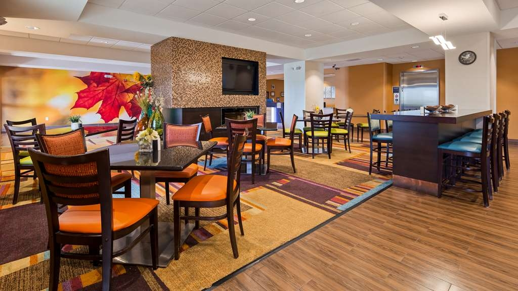 Best Western Plus Hiawatha Hotel - Restaurant / Etablissement gastronomique
