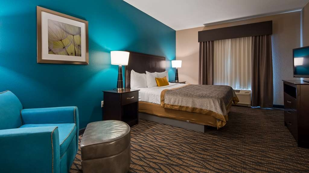 Best Western Plus Hiawatha Hotel - Standard King Room
